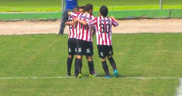 Junior Viza si bien falló un penal se recuperó y marco dos goles en la goleada del Huaral. FOTO:Huaralenlinea