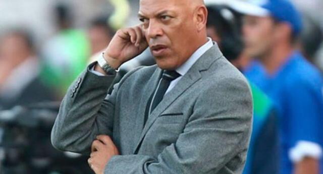 Roberto Mosquera va por su segundo título como entrenador