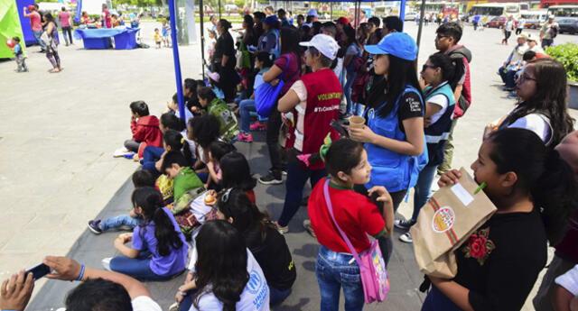 Feria 'Perú Contigo' consiguió confraternizar a 800 peruanos y venezolanos [FOTO]