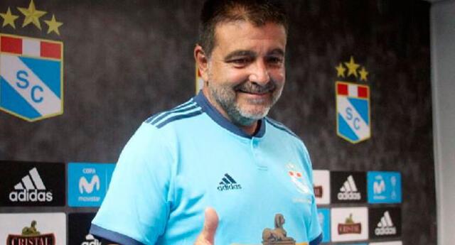 Claudio Vivas tendrá una nueva experiencia en el fútbol boliviano