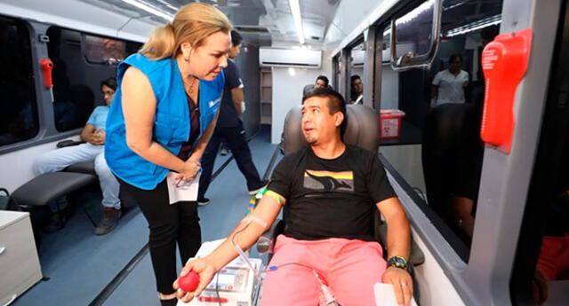 """Fiorella Molinelli pide a la población acercarse a donar al """"Hemobus"""" instalado en el Hospital Almenara"""