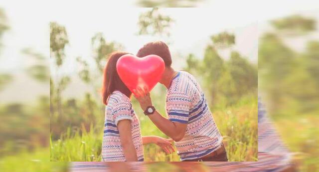 Una pareja disfrutando del amor