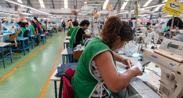 Este grupo de empresas tiene pensado fabricar mascarillas, botas, gorros y mandilones.