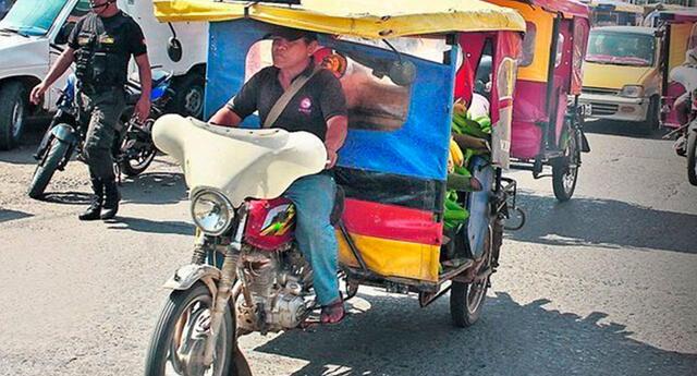 Mototaxistas en San Juan de Lurigancho