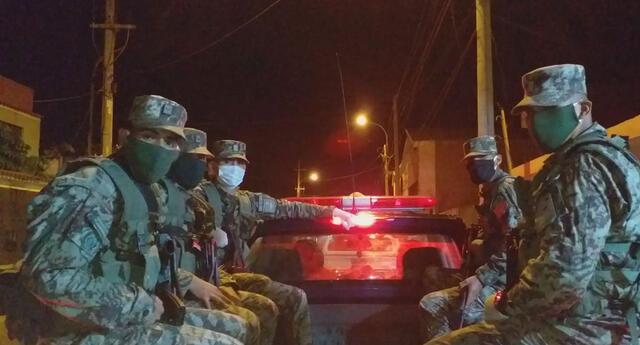 Soldados en Huacho