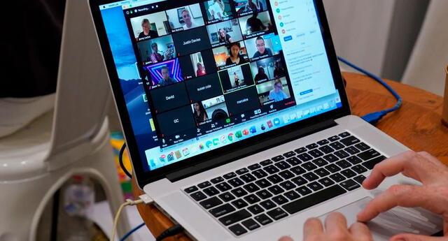 Las clases virtuales se vieron interrumpidas por un perturbador video.