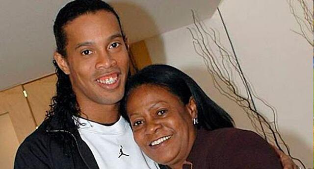 Ronaldinho está preocupado por el estado de su madre tras la pandemia de coronavirus.