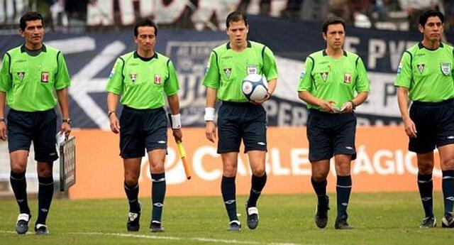 Clubes tienen una deuda enorme con los árbitros.