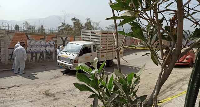 La pareja desde hace días fueron amenazados por traficantes de terreno que debian pagar una cuota.