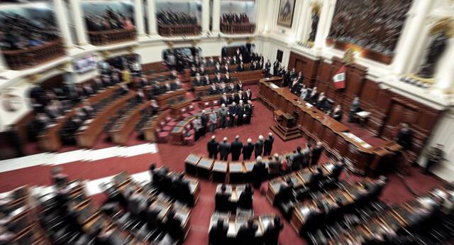 Miles de candidatos al parlamento se quedaron en el camino y algunos de ellos lograron su ingreso por otra puerta.
