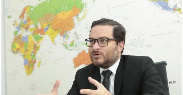 Vásquez también resaltó el acuerdo firmado por el Ejecutivo y las clínicas privadas.