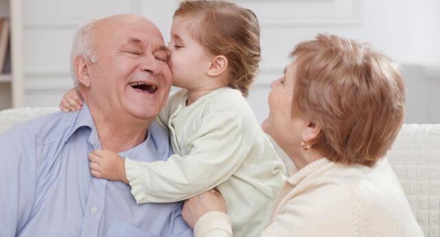Italia pagará 1.200 euros a los abuelos por cuidar de sus nietos.