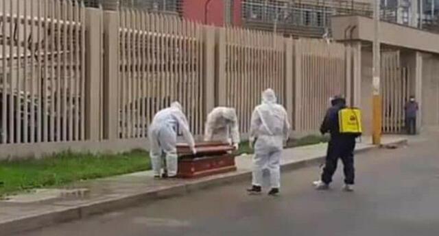 Padre de familia se desploma y fallece a pocos metros de hospital.