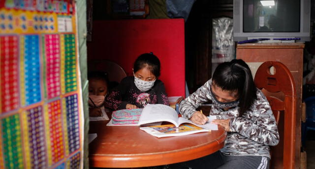 Aprendo en casa busca garantizar el servicio educativo a nivel nacional.