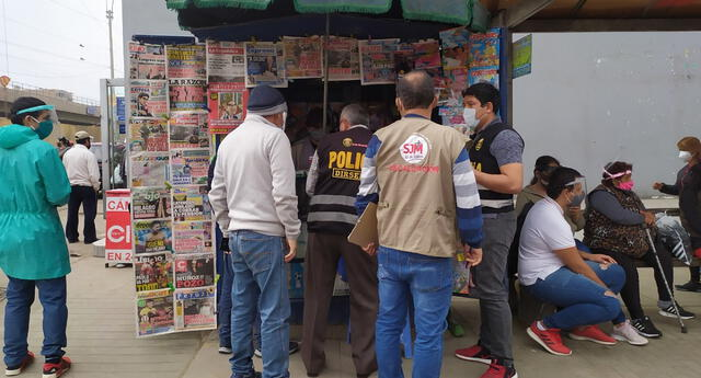 Estuvo agentes policiales  de la Dirección de Seguridad del Estado. Fueron en total tres quioscos sancionados.