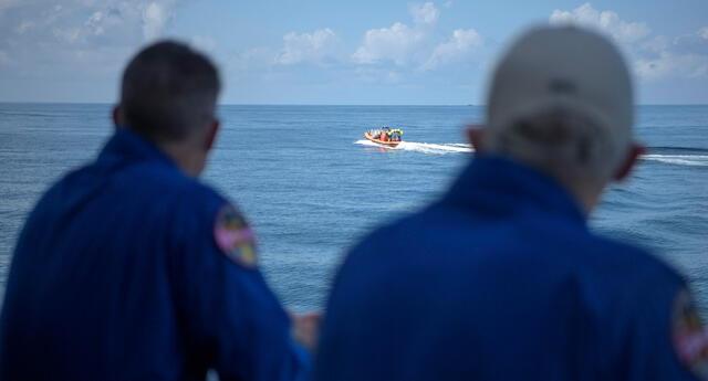 Cápsula Crew Dragon de SpaceX llegó a las aguas del Golfo de México esta tarde | Foto: EFE