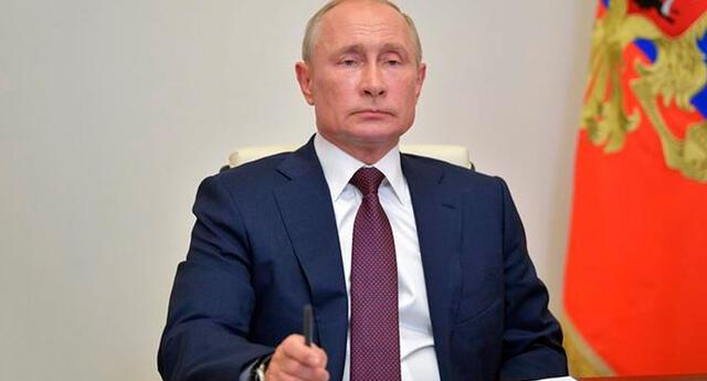 Putin reveló que una de sus hijas se inyectó la nueva vacuna rusa contra el COVID-19