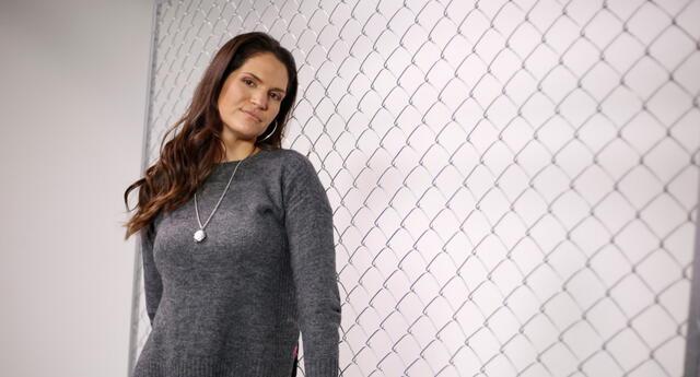 Lorena Álvarez pide apoyo a la FPF para compatriotas varados.