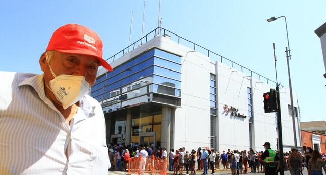 El bono Independiente puede ser cobrado en agencias del Banco de la Nación. Sin embargo, se recomienda el uso de cajeros y agentes de dicha entidad financiera para evitar aglomeraciones.