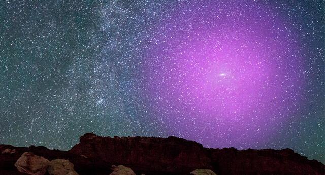 Halo de gas alrededor de Andrómeda. La imagen muestra cómo se vería en el cielo si fuera más brillante.