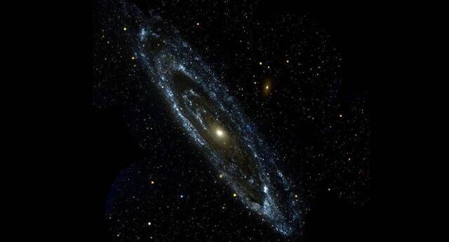 Mediante un telescopio de la Nasa, se logró captar el preciso momento en que la galaxia Andrómeda chocaba con la Vía Láctea.
