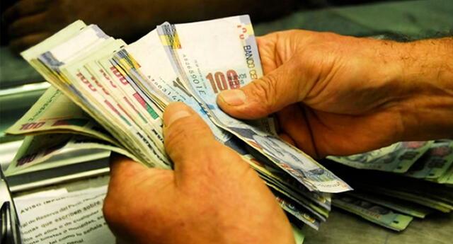 Debes ser consciente que endeudarse no es un tema de percibir poco o mucho ingreso, es un tema de disciplina.