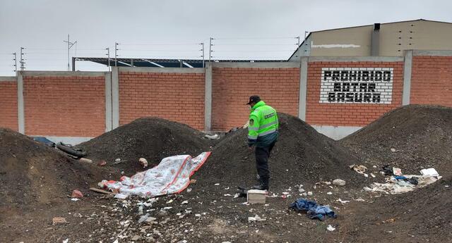hallan cadáver de un joven cerca del estadio Pedro Ruiz Gallo