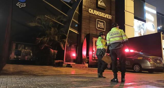 Reportan balacera en los exteriores de la tienda Quiksilver