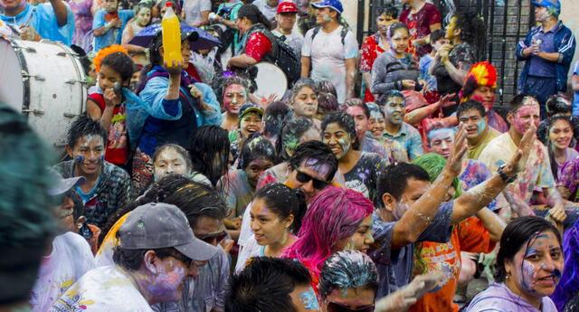 Cajamarca se considera la Capital del Carnaval Peruano ó la Fiesta más alegre del Perú.