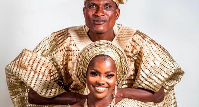 Los esposos de Nigeria en sesión de fotos.
