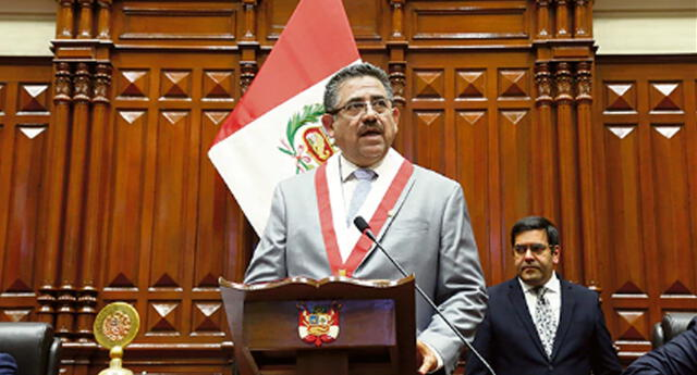 Merino anuncia que buscará diálogo con Vizcarra para recuperar confianza.