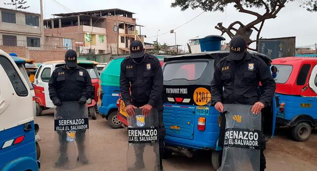 Serenos de Villa El Salvador sufrieron feroz ataque de mototaxistas informales.
