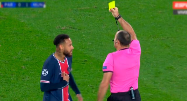 Neymar fue pintado de amarillo en el PSG vs. Manchester United.
