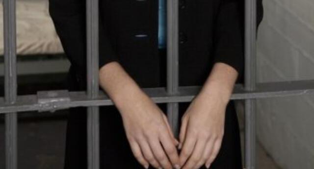 Dictan prisión contra Katherin De la Cruz Caruzo por lanzar agua hervida a su ex pareja