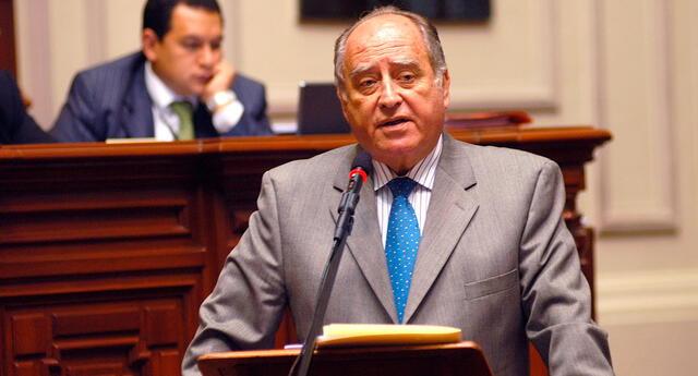 Ántero Flores-Aráoz, nuevo presidente del Consejo de Ministros designado por Manuel Merino de Lama tras consumarse el Golpe de Estado contra Martín Vizcarra.