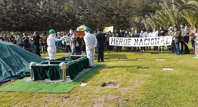 Los familiares de Inti Sotelo lo despidieron como Héroe Nacional.