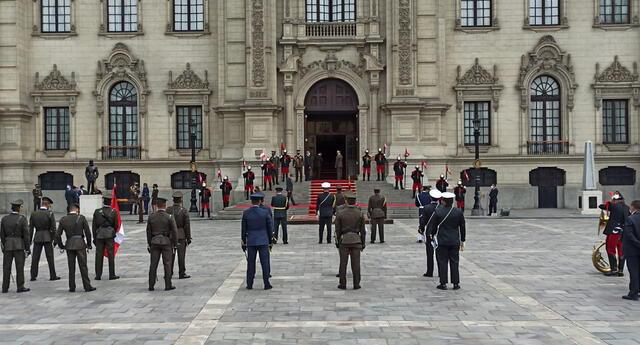 Ceremonia de reconocimiento al presidente Francisco Sagasti.