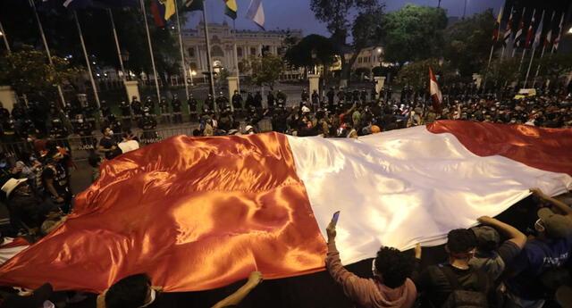 Marcha nacional contra Manuel Merino.