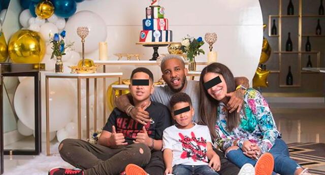Jefferson Farfán disfruta de su día libre junto a sus hijos.