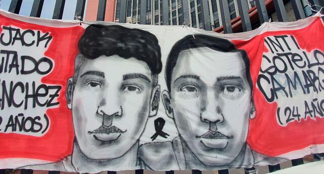 En horas de la madrugada un grupo de sujetos encapuchados destrozaron el mural de homenaje a Inti Sotelo y Bryan Pintado ubicado en los exteriores de la Corte Superior de Lima.