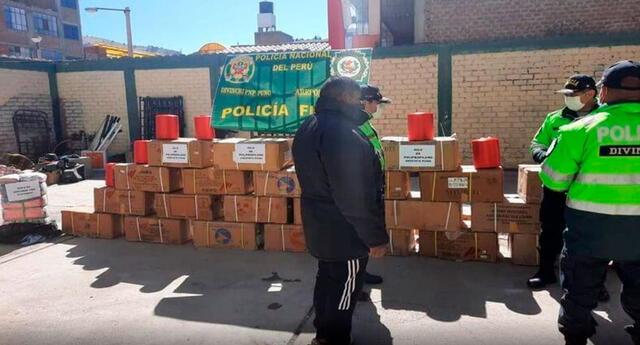 Mercadería y el camión fueron trasladados hasta las instalaciones de Aduanas en Puno.