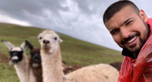 Ezio Oliva y Karen Schwarz se encuentran en Cusco para pasar fiestas con su familia, y él hizo una curiosa revelación en redes sociales.