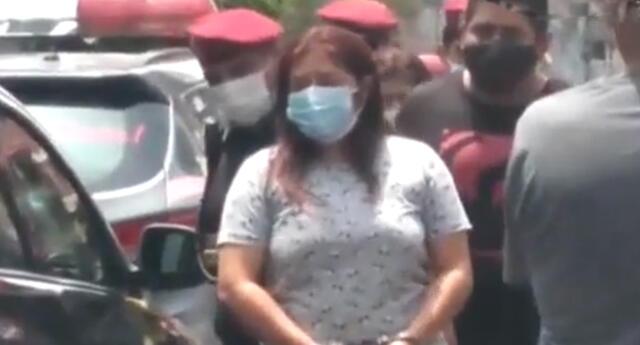 Mujer es detenida por presunto asesinato.