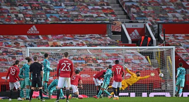 Manchester United superó 3 a 2 al Liverpool.