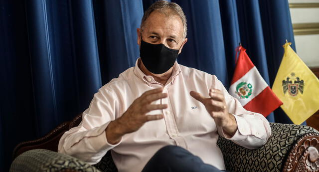 Jorge Muñoz instó al Gobierno a no esperar hasta el 31 de enero para anunciar las nuevas medidas preventivas que permitan frenar el incremento de nuevos casos positivos al COVID-19.