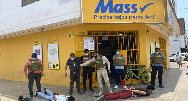Capturan a dos delincuentes en Los Olivos