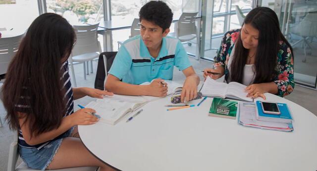 Abren convocatoria para postular a becas de estudio en Taiwán, Turquía y Polonia