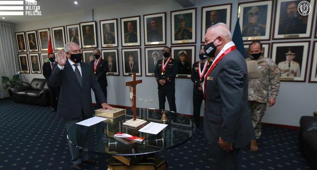 Juramentó el presidente de la Fiscalía Suprema Militar Policial General CJ PNP, Antonio Chacón Flores