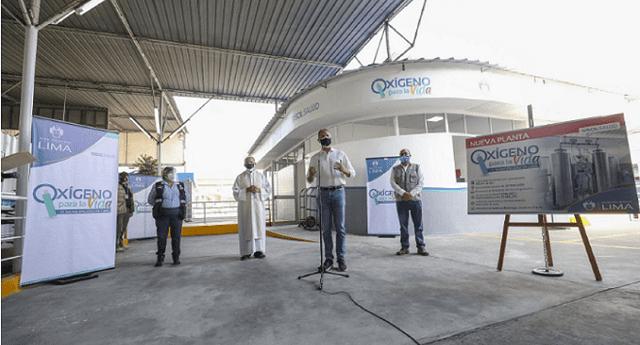Jorge Muñoz presenta planta de oxígeno en San Juan de Lurigancho