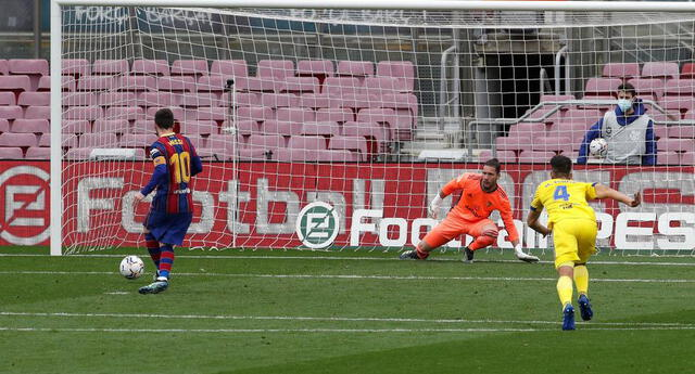 Messi pone el 1-0 par Barcelona. pero Cádiz le empató por la misma vía al final del partido.